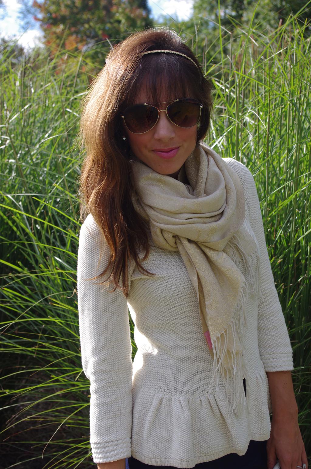 sweaterwglasses